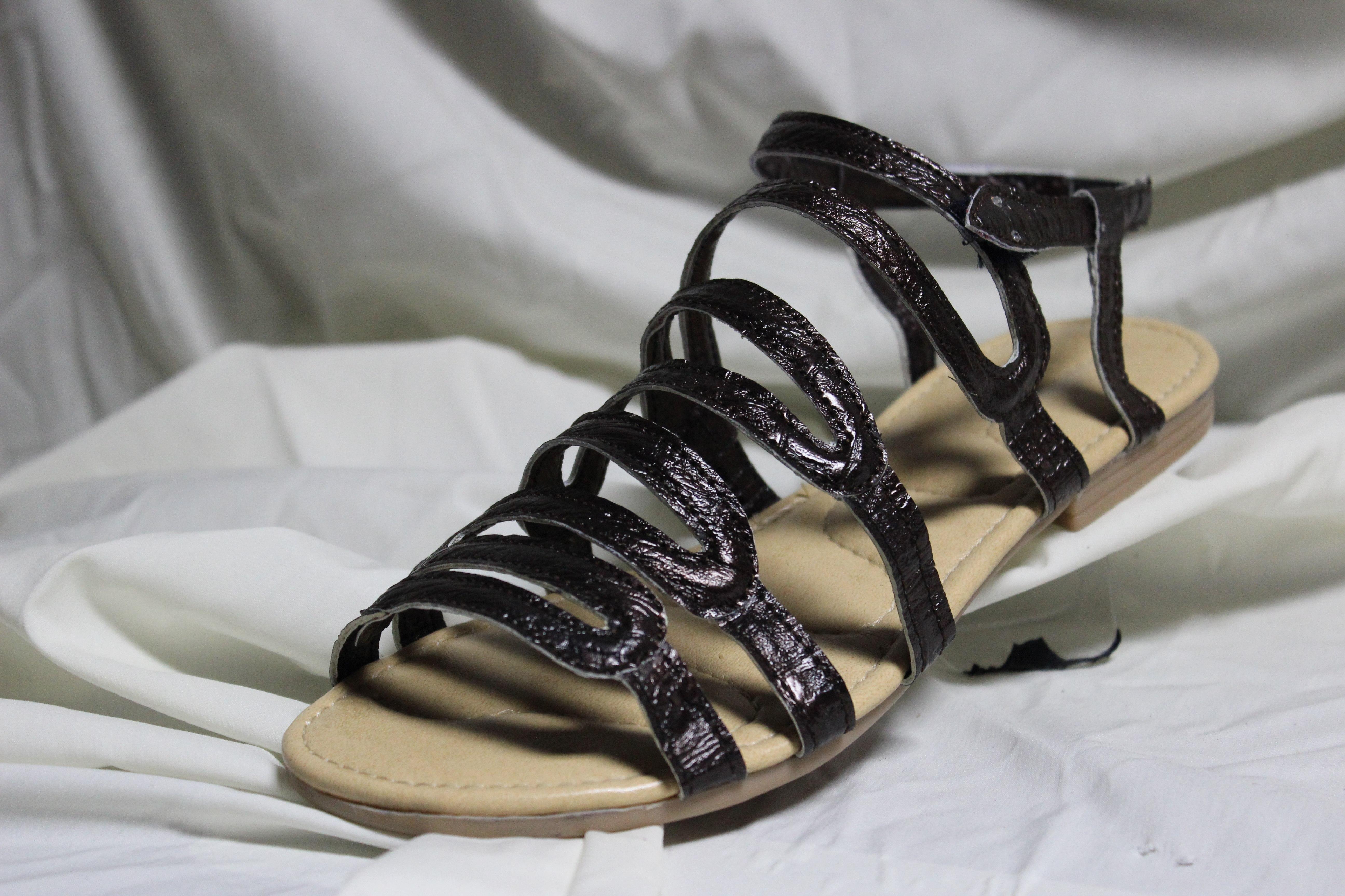 7c769cdbf3501 صندل (حذاء) - المعلومات الكاملة والبيع عبر الإنترنت مع الشحن المجاني. اطلب  وشراء الآن لأدنى سعر في أفضل متجر على الإنترنت! خصومات   كوبونات.