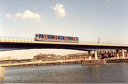 DLR-WestIndiaDocks-1