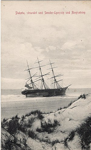 Dakota, strandet ved Sønder-Lyngvig ved Ringkøbing 1888.jpg