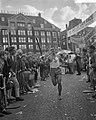 Dam tot Dam race , derde dag, marathonloper P. Bleeker, Bestanddeelnr 910-6368.jpg