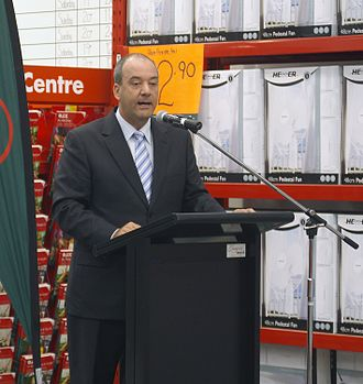 Daryl Maguire - Daryl Maguire at the official opening of a Bunnings Warehouse store in Wagga Wagga