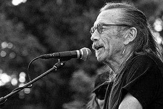 Dave Walker - Walker performing in 2014