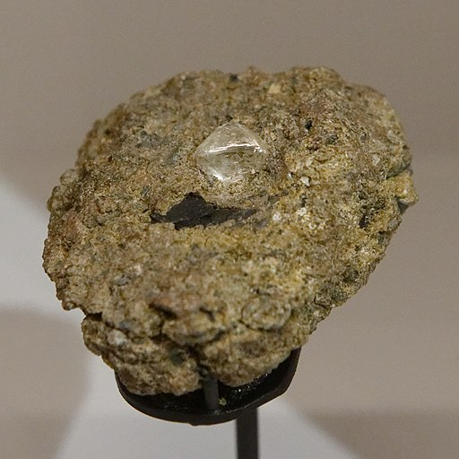 Diamond in kimberlite MNHN Inv.MIN000-2660