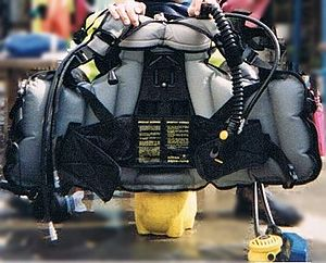 Buoyancy compensator (diving) - Jacket type BC on diving cylinder