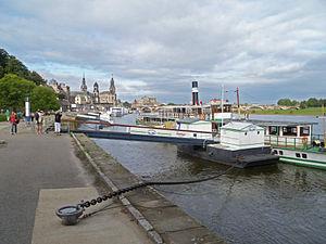 Dresden Ferry 001.JPG