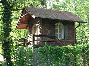 Summer house - A summerhouse the Burgberg (next to the Burgberggarten) in Erlangen, Germany.