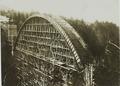 ETH-BIB-Gmündertobelbrücke im Bau (1907-08)--Ans 05306-019-AL.tif