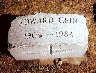Ed Gein - Ed Gein's vandalized grave marker as it appeared in 1999 before thieves stole it