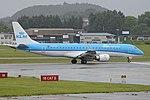Embraer 190ST (190-100STD) 'PH-EZI' KLM Cityhopper (29936690917).jpg