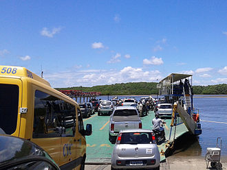 Arraial d'Ajuda - Image: Entrada para Balsa no Rio Buranhém entre Arraial d'Ajuda e Porto Seguro BA