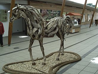 Heather Jansch - Sculpture of a horse by artist Heather Jansch.