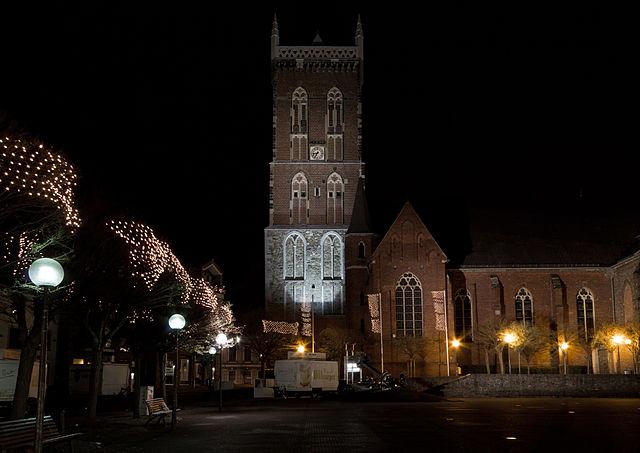 File:Eschweiler markt nacht.jpg - Wikimedia Commons  File:Eschweiler...
