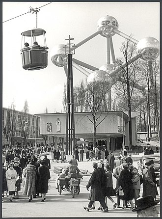 Atomium - The Atomium and cable car during Expo 58