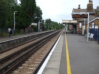 Ewell West railway station - Image: Ewell West stn look north