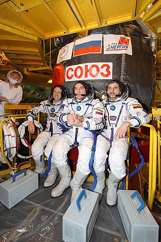 Expedition 23 - Image: Expedition 23 fit check dress rehearsal