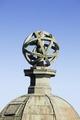 Exteriör. Armillarsfären högst upp på det nordöstra tornet - Skoklosters slott - 87087.tif