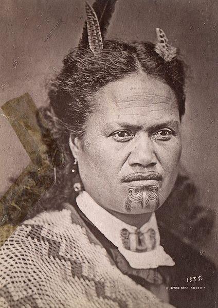 file femme maori avec un tatouage au menton 1998 3173 139. Black Bedroom Furniture Sets. Home Design Ideas