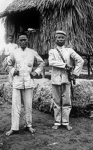 Photography in the Philippines - An 1899 photograph of Filipino military officers.