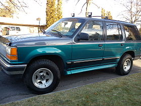 First Generation Ford Explorer XLT.jpg