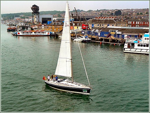 Flickr - ronsaunders47 - COWES .RIVER MEDINA. IOW.