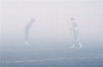 1988–89 NFL playoffs - The Eagles playing against the Bears in the famous Fog Bowl NFC Divisional Playoff game.