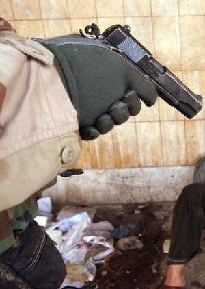 MEU(SOC) pistol - Marine using a MEU(SOC) pistol in Iraq