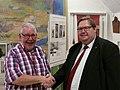 Formanden for Genforenings- og Grænsemuseet Kaj Nielsen og Koldings viceborgmester Søren Rasmussen (31503371507).jpg