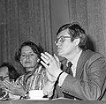 Fractieleider Wiegel (r) en mw Van Someren, Bestanddeelnr 929-0470.jpg