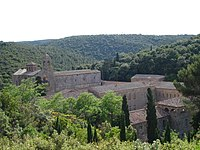 France-Abbaye de Fontfroide-Vue d'ensemble2.jpg