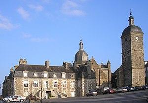 Saint-Sever-Calvados - Image: France Normandie Saint Sever Calv Mairie Et Eglise