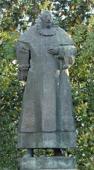 Francisco Sanches - Statue of Francisco Sanches, by Salvador Barata Feyo in Braga.