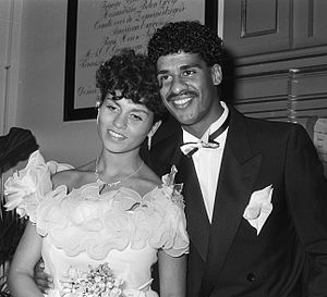 Frank Rijkaard - Frank Rijkaard and Carmen Sandries getting married on 10 October 1985