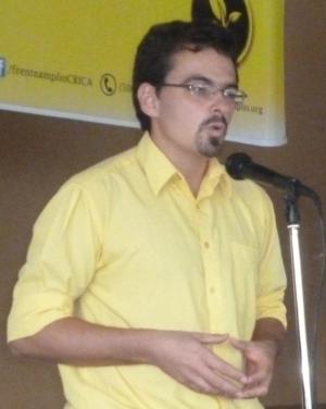 José María Villalta Florez-Estrada - Image: Frente Amplio (Costa Rica) Asamblea Provincial en Quesada 24 cropped