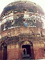 Front view of Tomb of Prince Parwaiz, Lahore.jpg