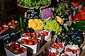 Fruits et légumes sur le marché de Baudinard.jpg