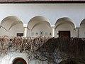 Götzendorf Schloss - Innenhof 4.jpg