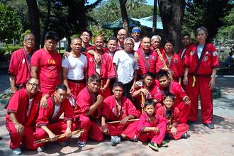 Modern Arnis - Modern Arnis group at Rizal Park with Grandmaster Rodel Dagooc