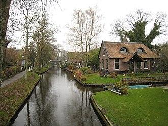 Giethoorn - Image: Giethoorn Netherlands flckr 04