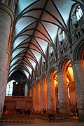 Gloucester Cathedral (Holy Trinity) (14983669960).jpg