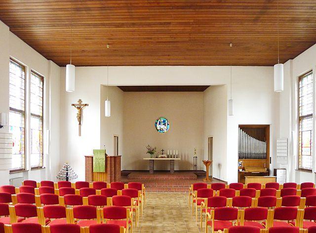 Kirchsaal der Gnadenkirche. Foto: Bodo Kubrak (Eigenes Werk) [CC0], via Wikimedia Commons