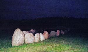 Gnisvard-stone-ship-Gotland-02.jpg
