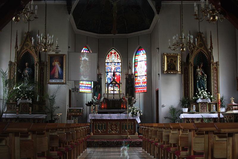File:Gołdap Kościół Kościół Świętych Leona i Bonifacego 012.jpg
