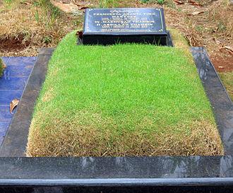 Pramoedya Ananta Toer - Pramoedya's grave in Karet Bivak Cemetery, Jakarta