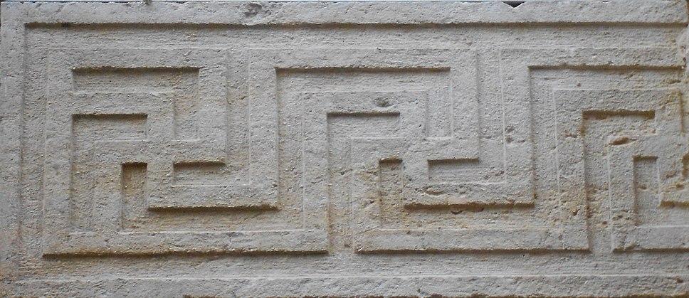 Greca a svastica - palazzo Roncale - Rovigo
