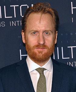 rödhårig svensk skådespelare