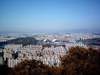Gwangju city - view apts.jpg