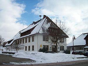 Häusern – Reiseführer auf Wikivoyage