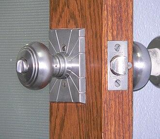 Bored cylindrical lock - Image: Hamilton County Courthouse (Kansas) doorknob