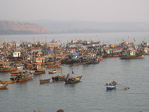 Suvarnadurg - Image: Harnai fishing boats