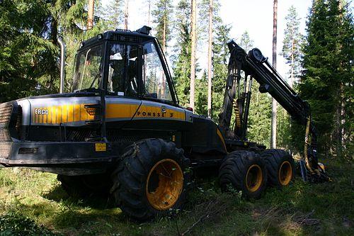 Metsäkoneenkuljettaja Koulutus
